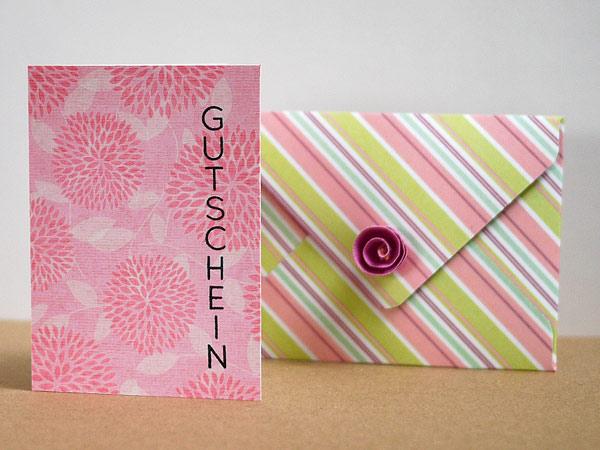 Kleine Gutscheinkarten-Karte mit Umschlag
